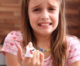 girl and fracture of finger